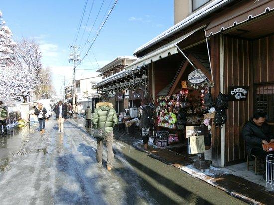 Hida-Takayama Miyagawa Morning Market: 通り