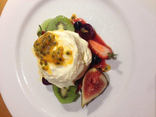 The Westin Sydney: Room service dessert