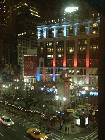 Courtyard New York Manhattan/Herald Square : vista a Macy´s