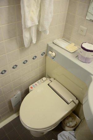 Shibuya Tobu Hotel: Toilet