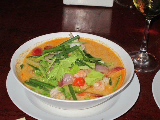 Big Blue Restaurant: tom yum goong