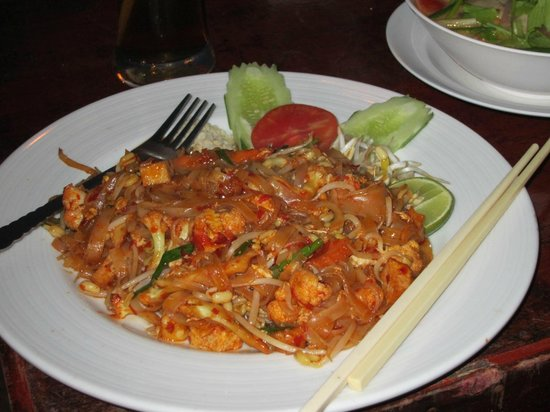 Big Blue Restaurant: Pad Thai
