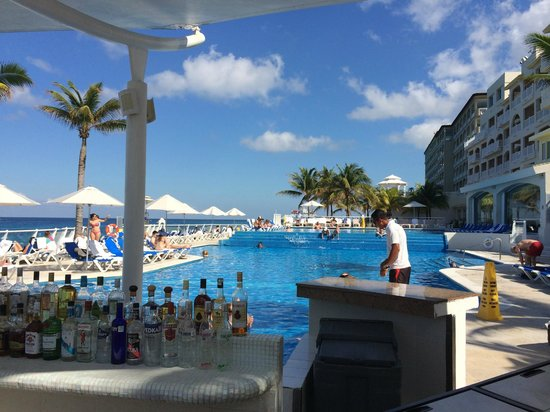 Cozumel Palace: Palace Pool View