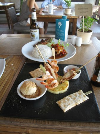 Aleenta Hua Hin Resort & Spa: Lunch at the upstairs restaurant