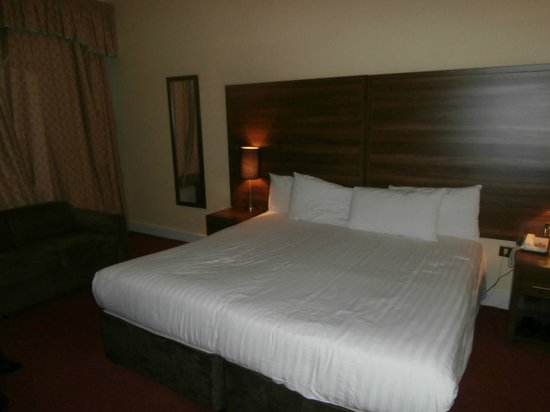 The Royal Hotel : 4 star standard rooms