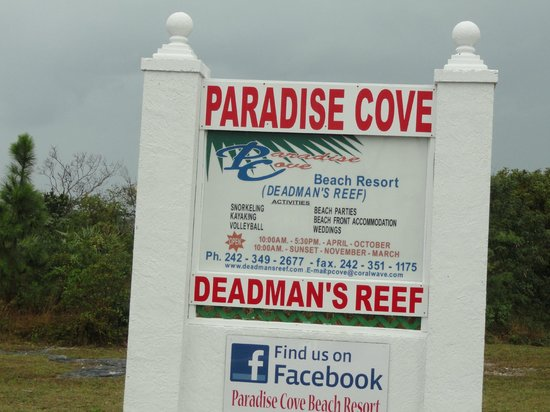 Paradise Cove Beach Resort: Entrance Signage