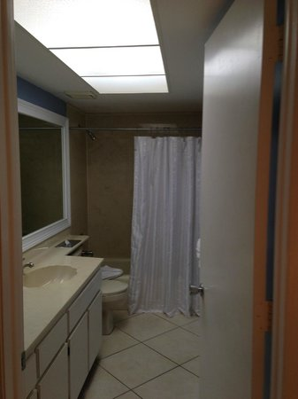 Sanibel Inn: 1st Condo - Master bath