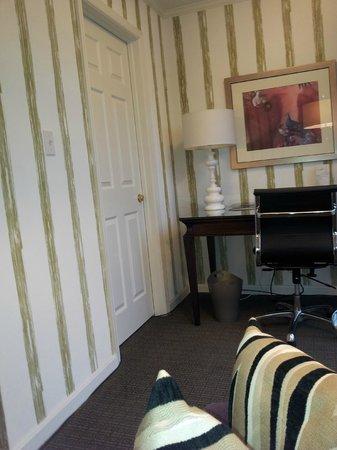 Kimpton Topaz Hotel: Office alcove