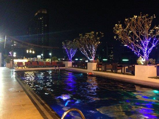 Furama Silom: Amazing rooftop
