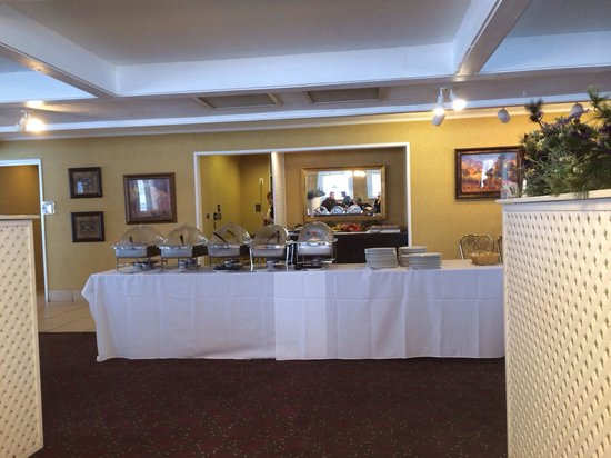 Wintergreen Resort & Conference Center: Breakfast buffet at the hotel restaurant