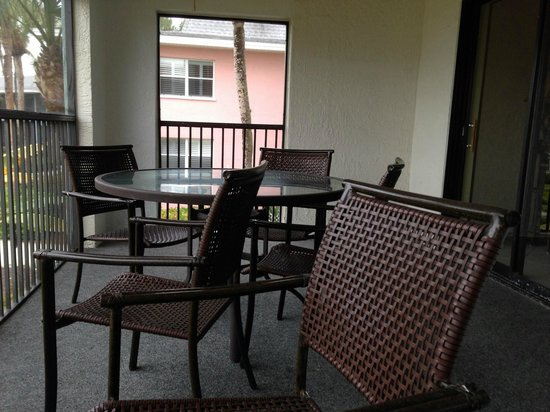 Sanibel Inn: 2nd Condo patio