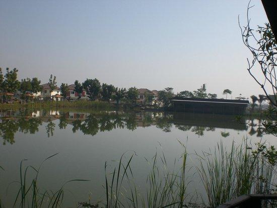 TaNiTa (Lagoon) Resort: See