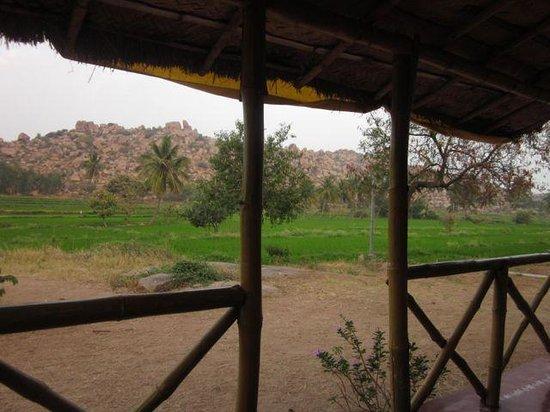 Gowri Resort: Great view from bamboo hut