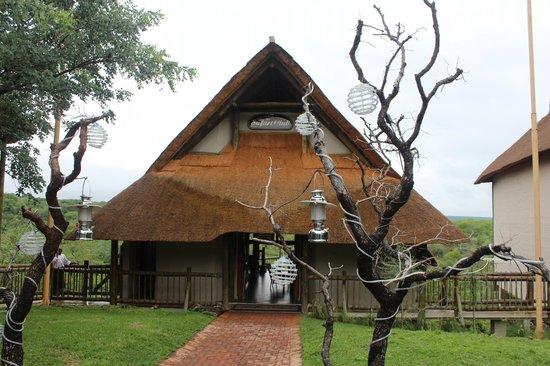 Victoria Falls Safari Club : reception