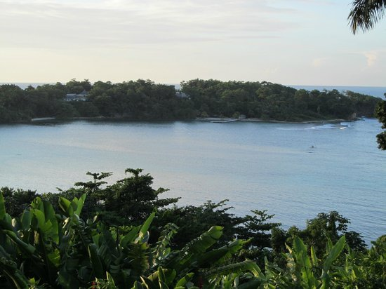 Goblin Hill Villas at San San: View from overlook to local beach