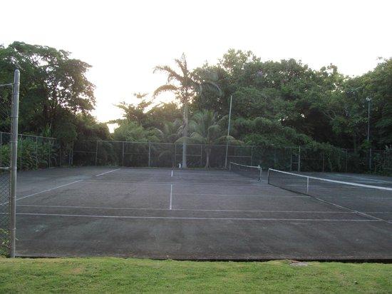 Goblin Hill Villas at San San : Tennis court
