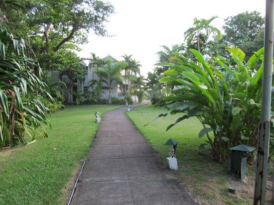 Goblin Hill Villas at San San : Walkway to overloook