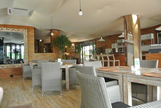 The Dipan Resort Petitenget : dinning area
