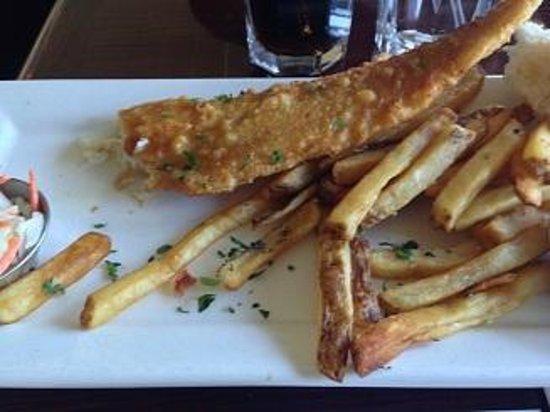 Crab Louie's Bistro: フィッシュ&フレンチフライ