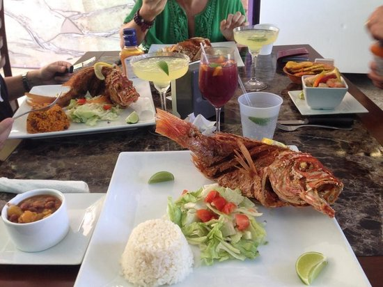 Ely's Place: Fried Whole Red Snapper = Deliciousness