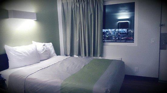 Motel 6 Redlands: Modern Hotel
