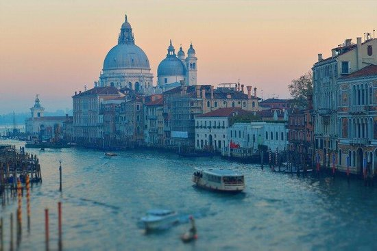 Gallerie dell'Accademia : Venice at sunset