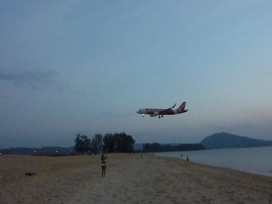 Grand West Sands Resort & Villas Phuket: 500m walk to see planes landing - amazing