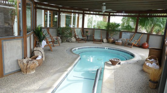 The Spring  Resort & Spa : covered pool