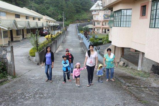 Garden Villas : uphill