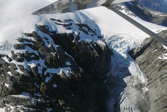 Glenorchy Air : Up close and personal with a glacier