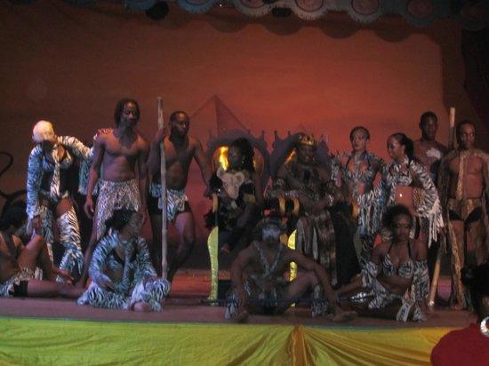 Hotel Riu Palace Tropical Bay: Performers
