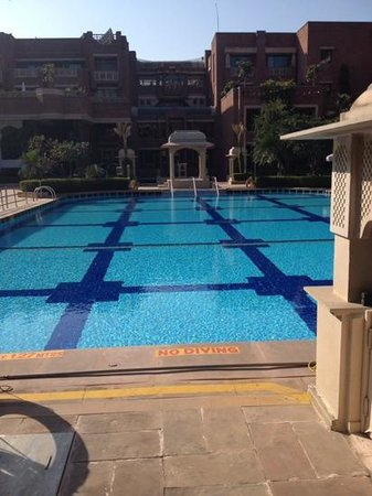 Swimming Pool Picture Of Itc Rajputana Jaipur Jaipur Tripadvisor