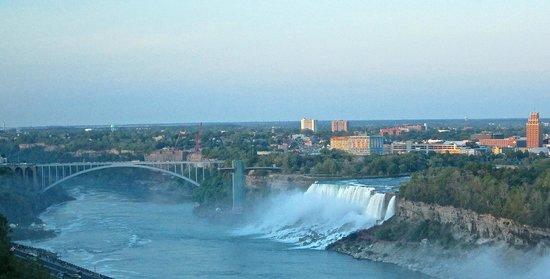 Niagara Falls Marriott on the Falls: View from 16th floor room