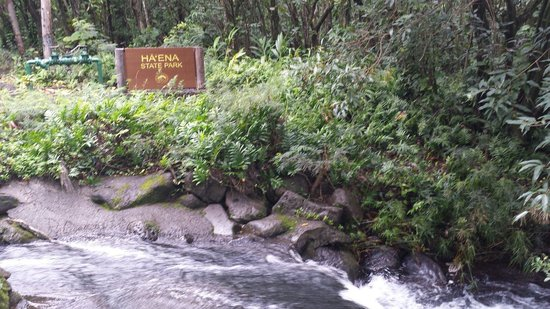 Ha'ena State Park: Entrance to the park