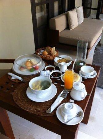 Uma Sapna: Breakfast spread