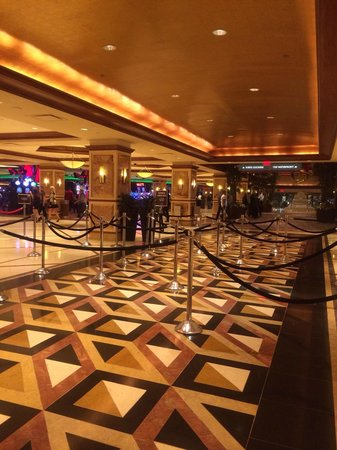 Harrah's Resort Atlantic City: The lobby