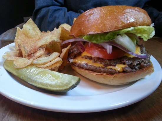 Awesome burgers review of deluxe burger fayetteville for Affordable pools of fayetteville
