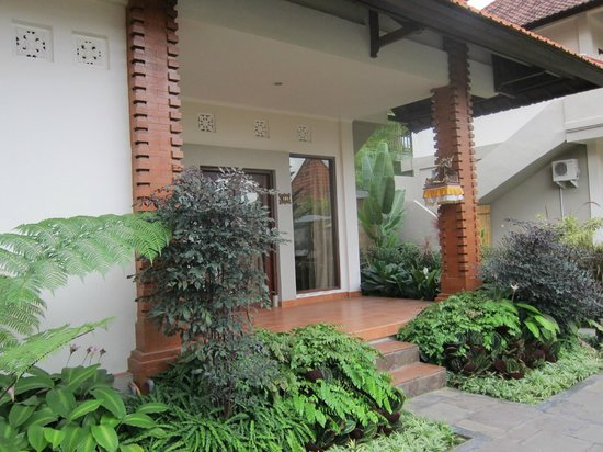 Inata Bisma Resort & Spa Ubud: 部屋の前(1F)