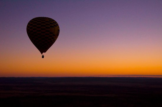 Outback Ballooning: Not long before sunrise