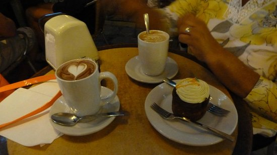 Ah Cacao Chocolate Cafe: Delicious hot chocolate