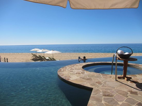 The Resort at Pedregal: hot tub, pool, beach