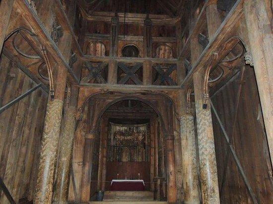 Musée folklorique norvégien : Inside the Stave Church