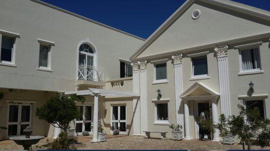 Cascade Manor: Reception area
