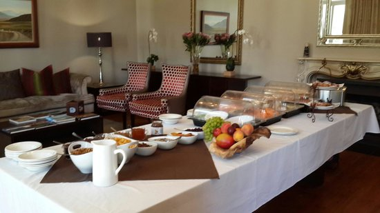 Cascade Manor: Selection of pastries, fruit, cheese, bread
