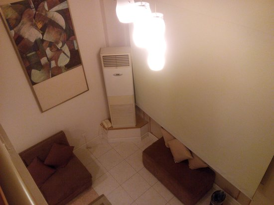 Ariva Beijing Luxury: Sitting room view from upstair