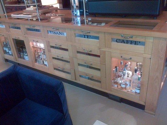 Baschi, Italia: bar-caffetteria