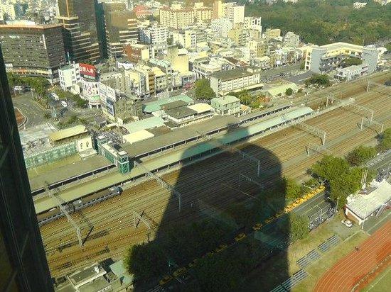 Shangri-La's Far Eastern Plaza Hotel Tainan: 台南駅の近く