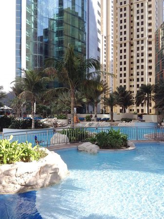 JA Oasis Beach Tower: Swimming pool
