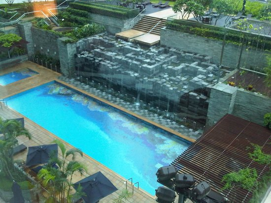 Nice swimming pool - Picture of Novotel Citygate Hong Kong