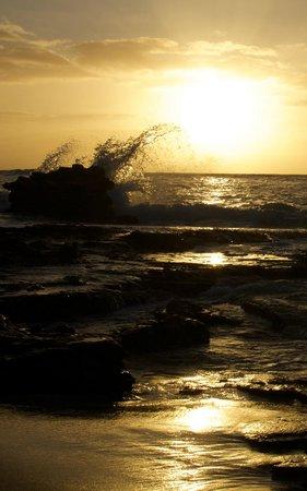 Oahu Photography Tours : Sunrise from Sandy Beach
